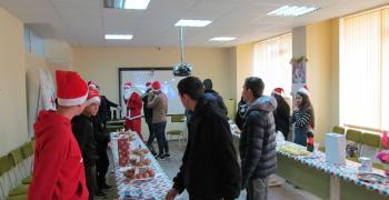 """И ПГЕ """"Джон Атанасов"""" подаде ръка към """"Българската Коледа"""""""