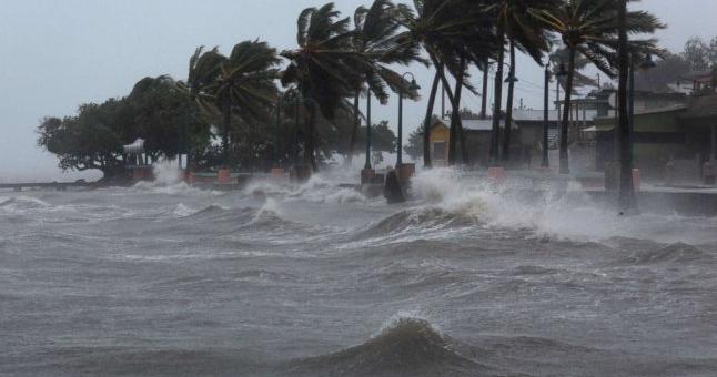 Защо бавното предвижване на урагана е проблем?