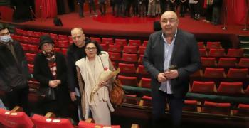 В Сатиричния театър поставиха кресло № 1 с името на Татяна Лолова