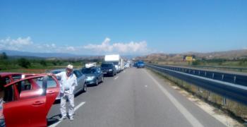 Километрични опашки на влизане в Гърция