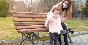 Старозагорска фирма произвежда семейни маски