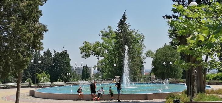 Вода, сянка и сладолед срещу жегите в Стара Загора
