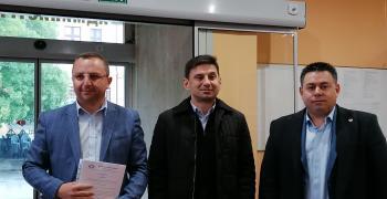 ДПС регистрира листата си за парламентарния вот в Районната избирателна комисия в Стара Загора