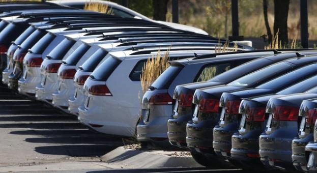 Продажбите на нови коли в ЕС спаднали през март с 55,1%, в България - с 29,6%