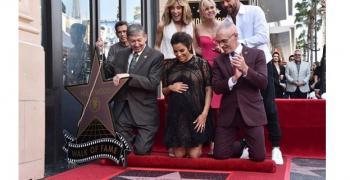 Ева Лонгория се сдоби със звезда на Алеята на славата