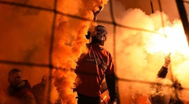 Брутален бой между фенове на Левски и тези на Краковия и Аякс | ВИДЕО