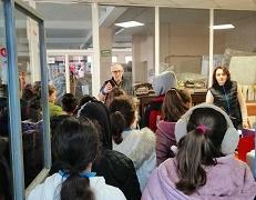 Деца видяха как се правят мебели, ИВВЕКС проведе Ден на отворените врати