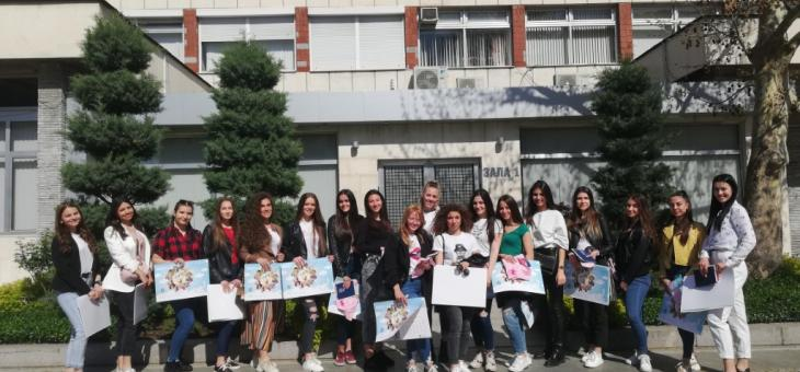 В Казанлък се проведе среща с кандидатките за Царица Роза