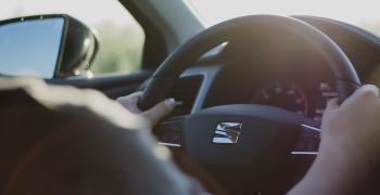 Хванаха 33-годишен шофьор да кара с фалшива книжка