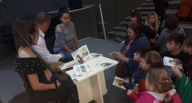 Полицай представи детски книжки пред старозагорски ученици