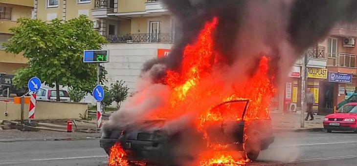 Лек автомобил изгоря в столицата
