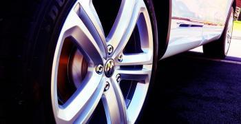 Китай очаква близо 400-процентов скок на продажбите на автомобили за февруари