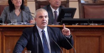 Депутатът от ГЕРБ Маноил Манев осигурява безплатна храна за дежурните на КПП-тата в Стара Загора