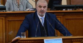 Депутатът Маноил Манев настоява за по-строги наказания