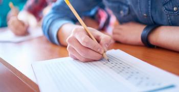 Математиката би българския език на матури 2019