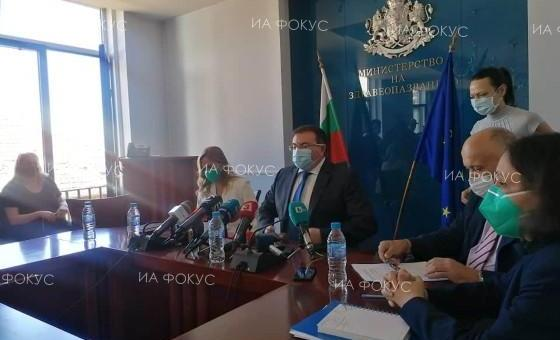 Министър Ангелов: Ще има увеличение на заплатите на медиците