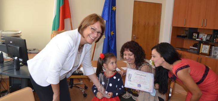 """Награда """"Ангелско сърце"""" за кмета на Казанлък"""