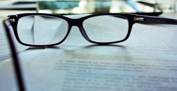 Рискът от зараза с коронавируса е до три пъти по-малък за хората с очила