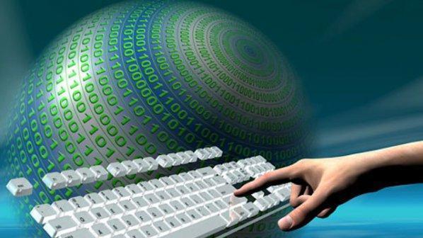Над 230 ученика се включват в безплатното обучение по информатика