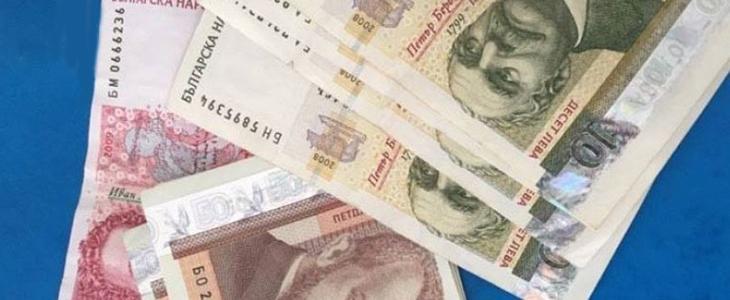 Средната заплата в страната надхвърли 1300 лв.
