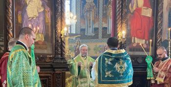 В Стара Загора: Ръкоположиха свещеник на Петдесетница