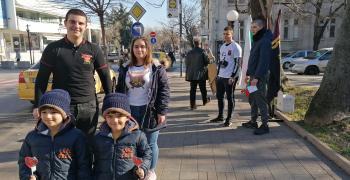 От ВМРО раздаваха захарни петлета на Петльовден