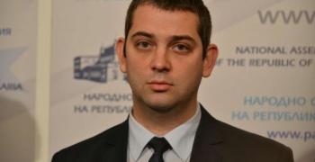 Димитър Делчев: Основна задача на дясното е да си върне доверието на хората