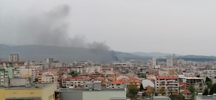 Пожар в Стара Загора, гори изоставен фургон