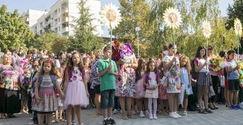 В Стара Загора 1401 първокласници тръгват на училище