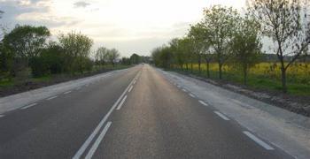Собствениците на камиони или автобуси на метан или природен газ могат да възстановяват половината от платените тол такси