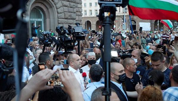 Румен Радев: Никога българите не са били по-единни в решимостта си да отвоюват държавата от мафията