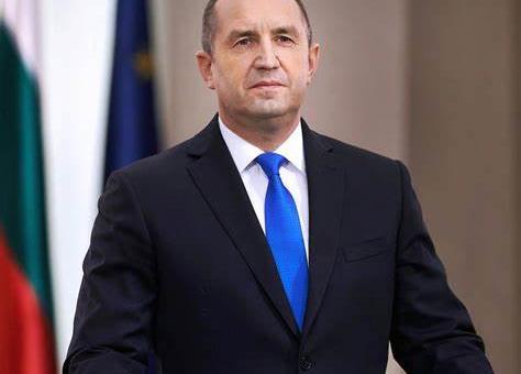 Президентът започва консултативни срещи с извънпарламентарни политически партии