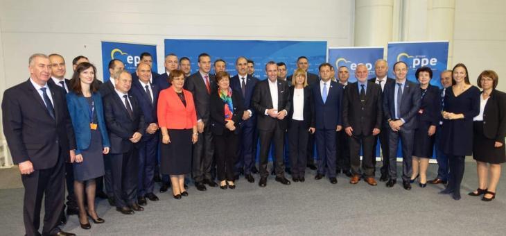 Цветан Цветанов и кметове от ГЕРБ се срещнаха с Манфред Вебер