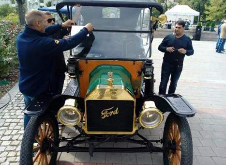 Рекорден брой автомобили на ретро парада в Стара Загора