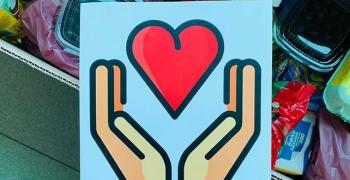 """Кампания """"С любов"""" зарадва с продукти нуждаещи се в Мъглиж"""