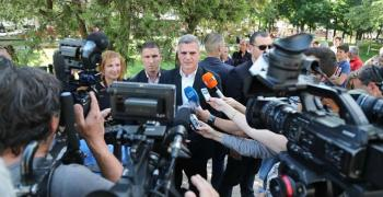 Янев: Служебният кабинет работи за хората, а не прави предизборна кампания