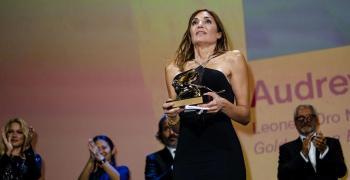 """""""Събитието"""" спечели Златния лъв на кинофестивала във Венеция"""