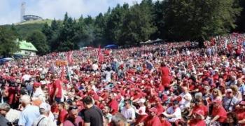 Десетки хиляди социалисти ще се съберат за традиционния събор на връх Бузлуджа