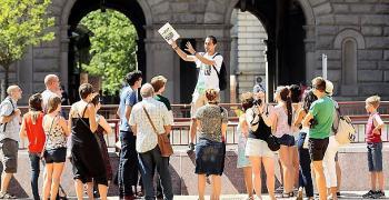 Спадът на туристите в София е над 90%
