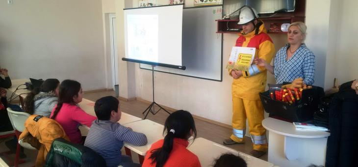Проведоха урок по безопасност в Казанлък