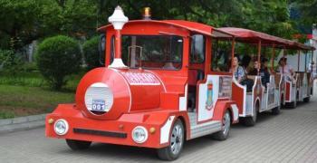 В Казанлък от днес започват да се движат атракционни влакчета