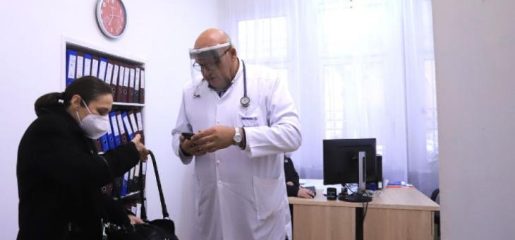 Личните лекари вече издават електронни направления за PCR тест