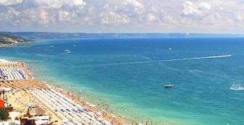 11 плажа в България с безплатни чадъри и шезлонги