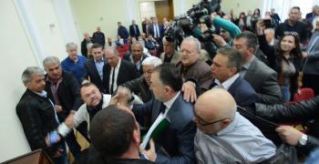На 2 май: Вот на недоверие срещу Лукарски